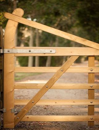 Gates & Gate Posts