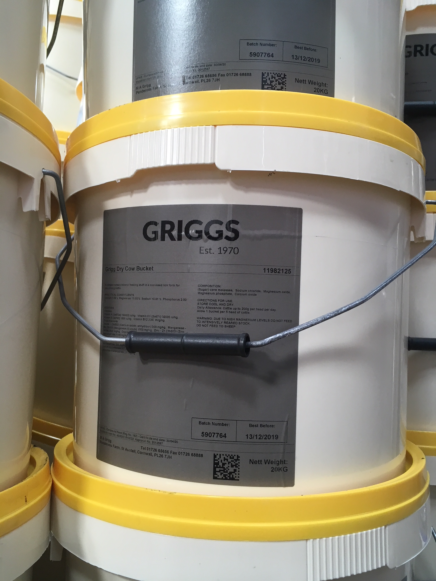 Griggs Dry Cow Bucket 20KG